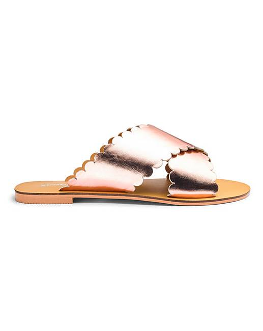 See what's new and trending in new footwear for the season Spring/Summer 2019. We are drooling over some of our favourites and trying not to buy them all.