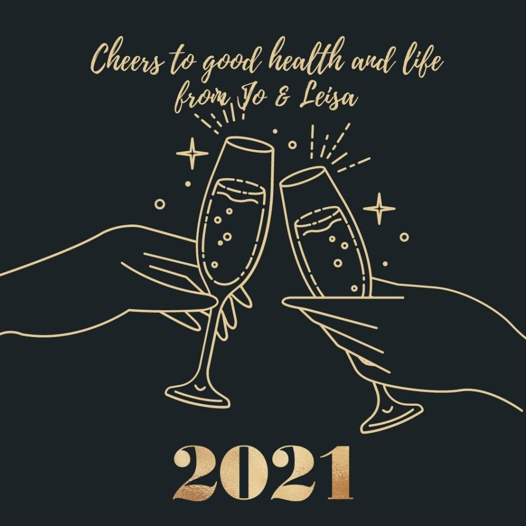 Two wine glasses: toast to the new year
