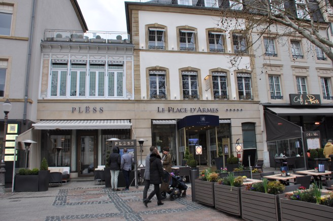 Luxembourg_Le_Place_d_Armes_13