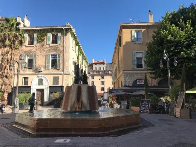 Ville-de-Marseille_fontaine