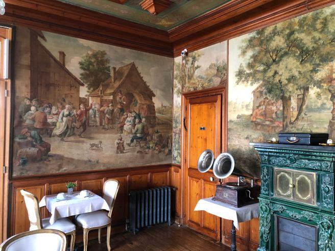 Le salon Belle Epoque de la maison d'Emilie, à Houlgate ©Joli.Voyage