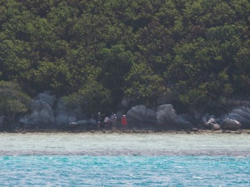 Mato Island walk