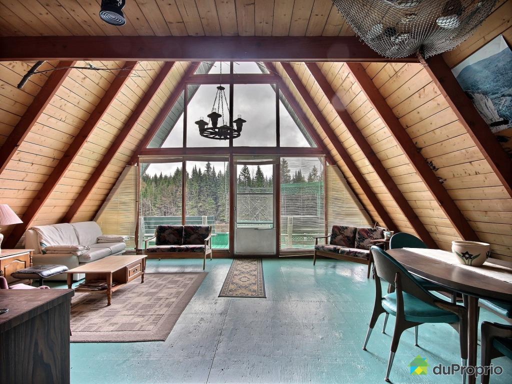 La plus jolie maison au toit triangulaire se trouve  Lvis  Joli Joli Design