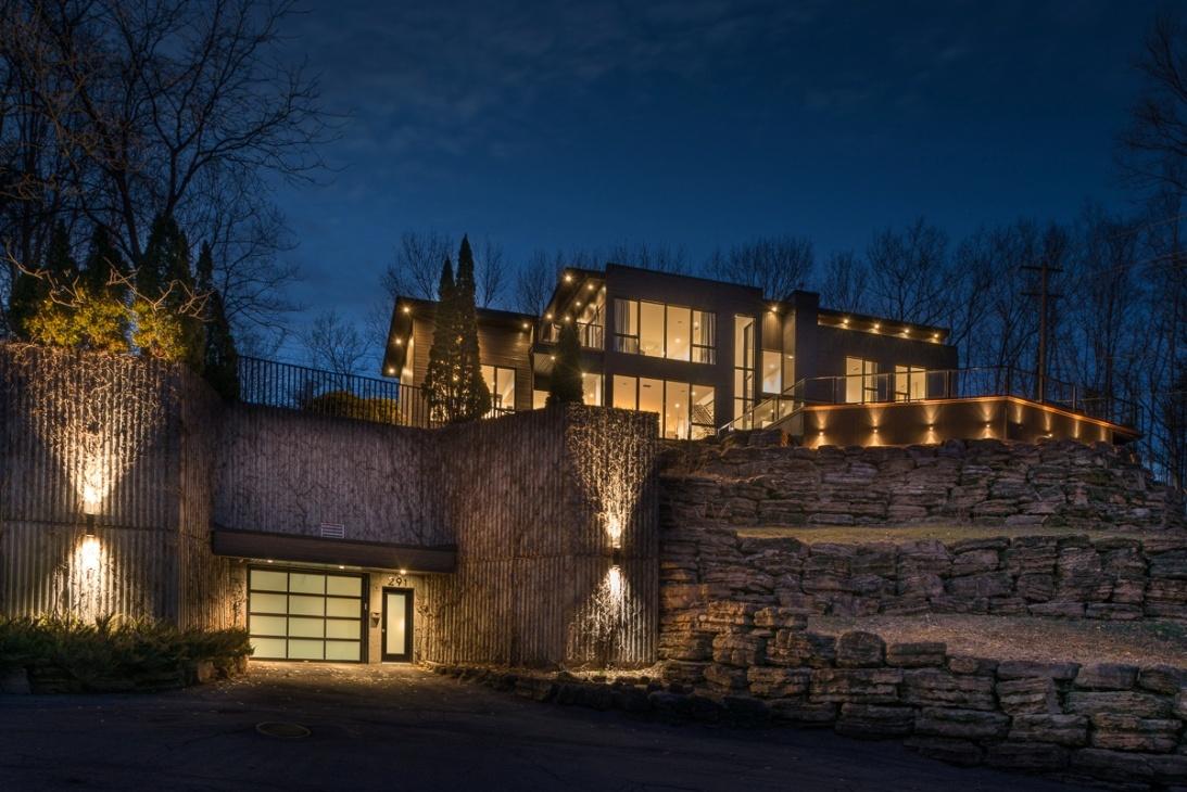 Ce spectaculaire manoir  8 garages se situe  BoisdesFilion  Joli Joli Design