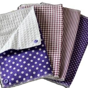 Lot essuies tout lavables, motifs pois et rayures violets