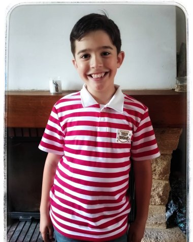Mon fils avec son nouveau tishirt homemade