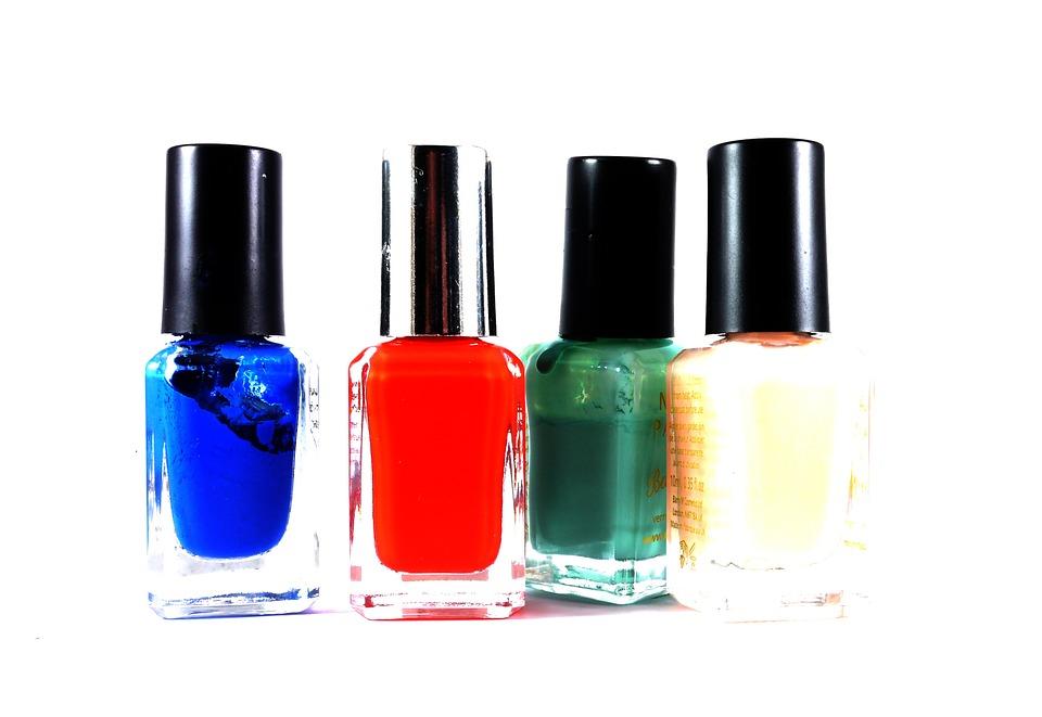 Vernis à ongles toxiques
