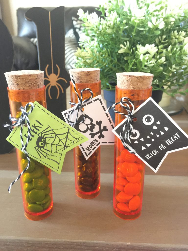 halloween-party-favors-jolly-and-happy