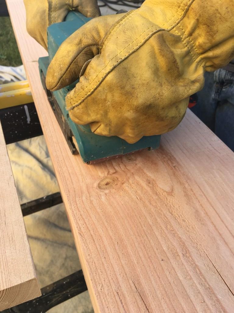 DIY Farmhouse Table Jolly and Happy