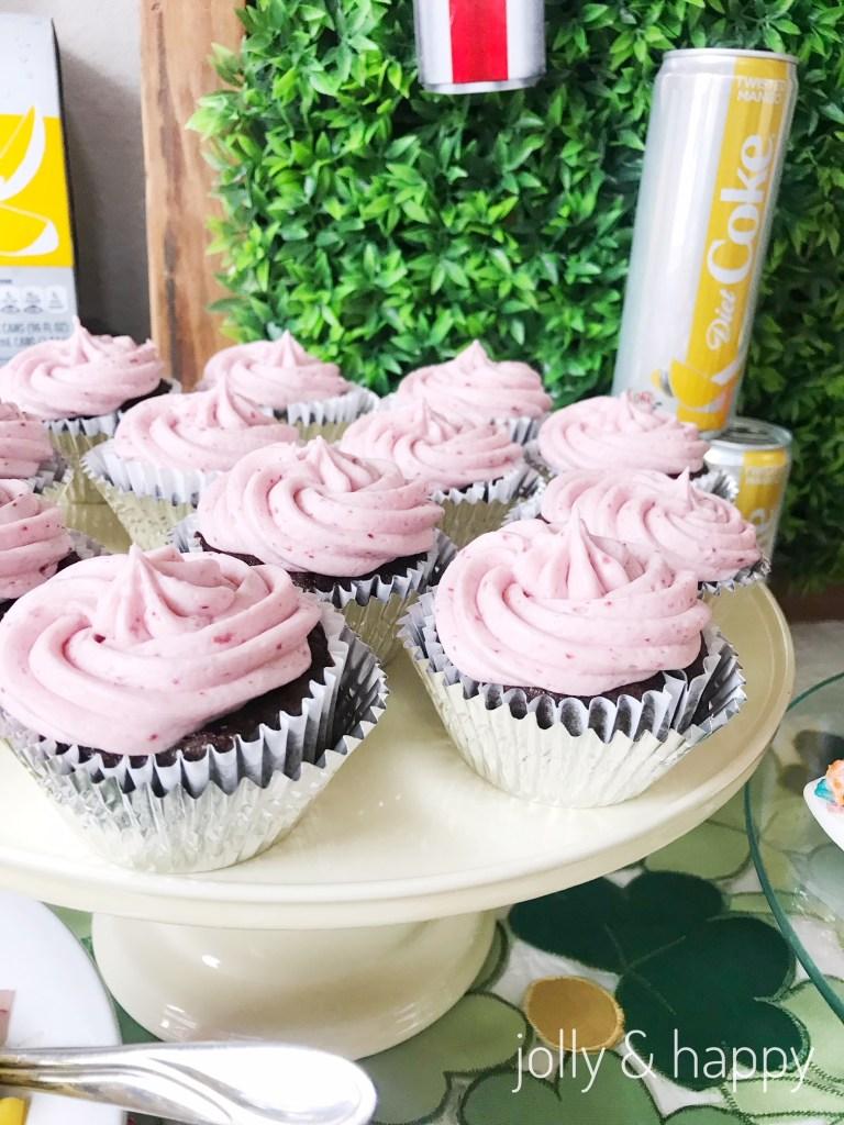 fiesty cherry diet coke cupcakes