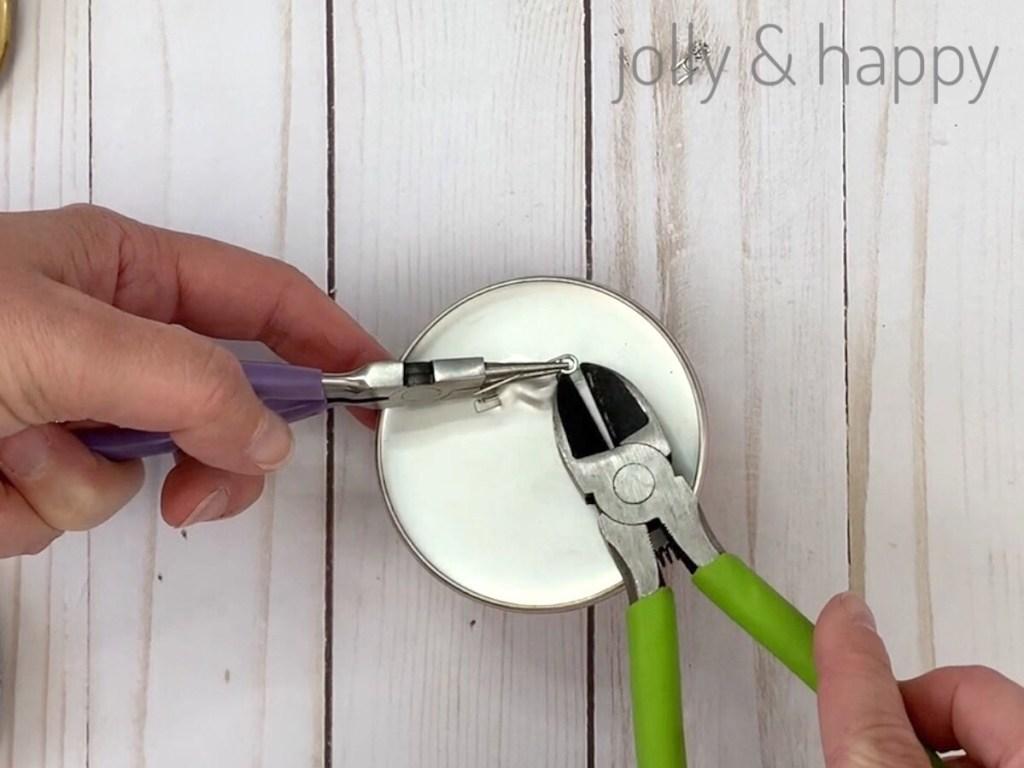 Disney Souvenirs clip off edges of clip