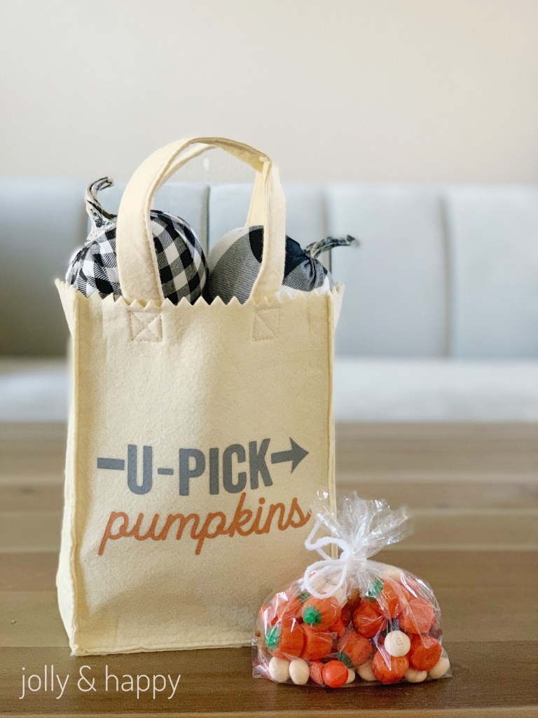 pumpkin themed easy gifts for fall