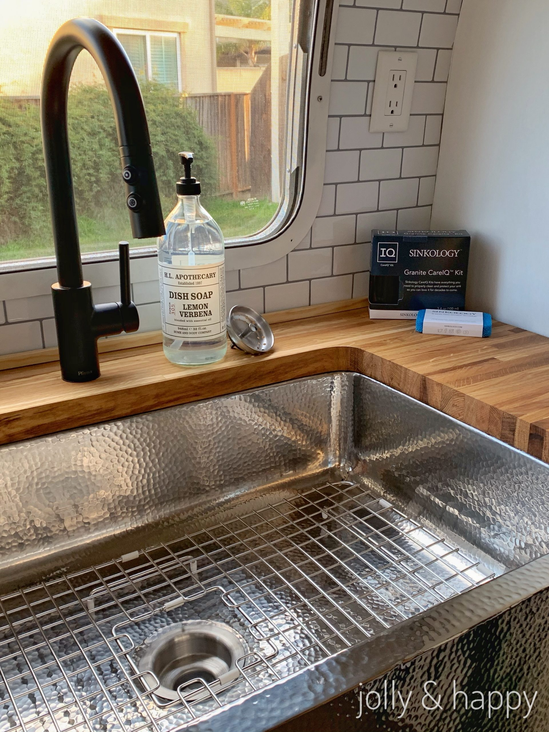 sinkology farmhouse sink
