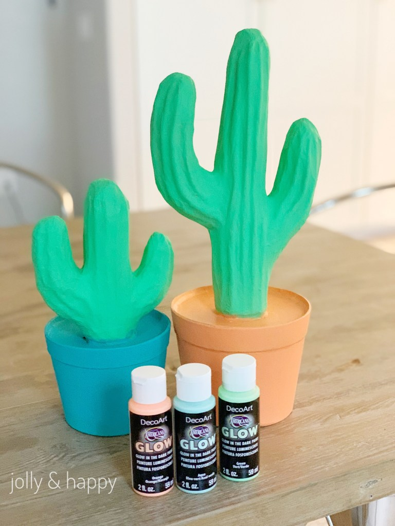 Paint party Decor with DecoArt Glow