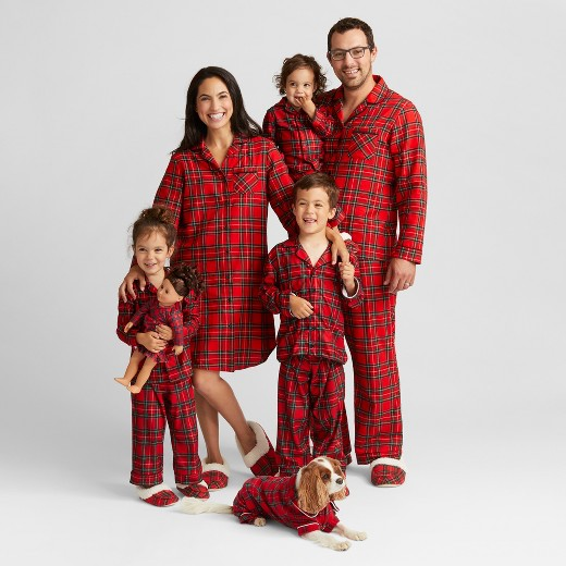 Holiday Pajama Roundup for the Whole Family