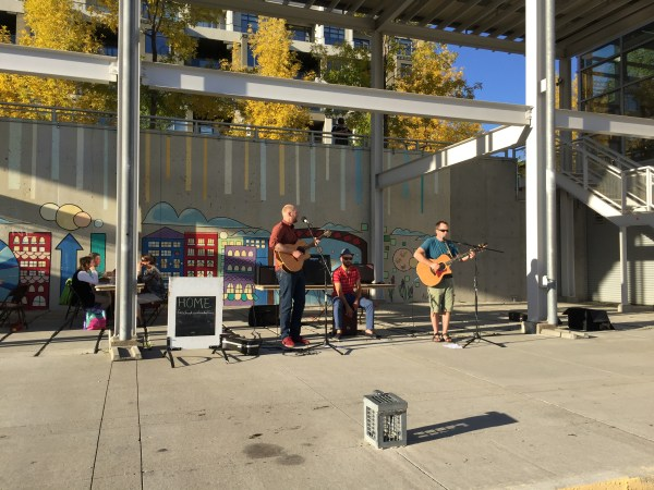 Buskers for the crowd.