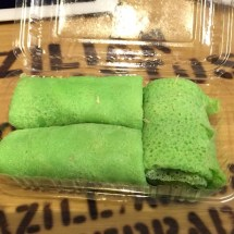 More pandan kuih and sweetened coconut inside.