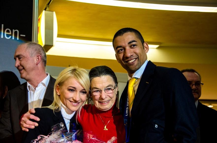 Auch die ehemalige Trainerin von Katarina Witt Jutta Müller gratulierten den Olympioniken.