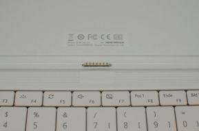 20160919-huawei-matebook-connector-keyboard