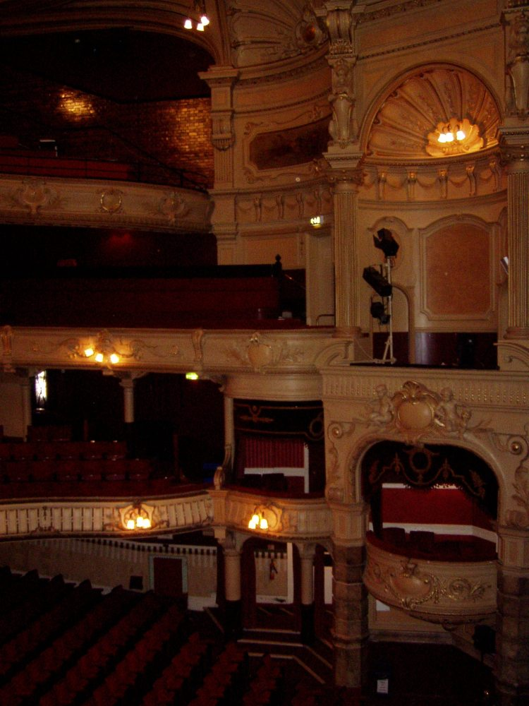 King's Theatre, Southsea (3/4)