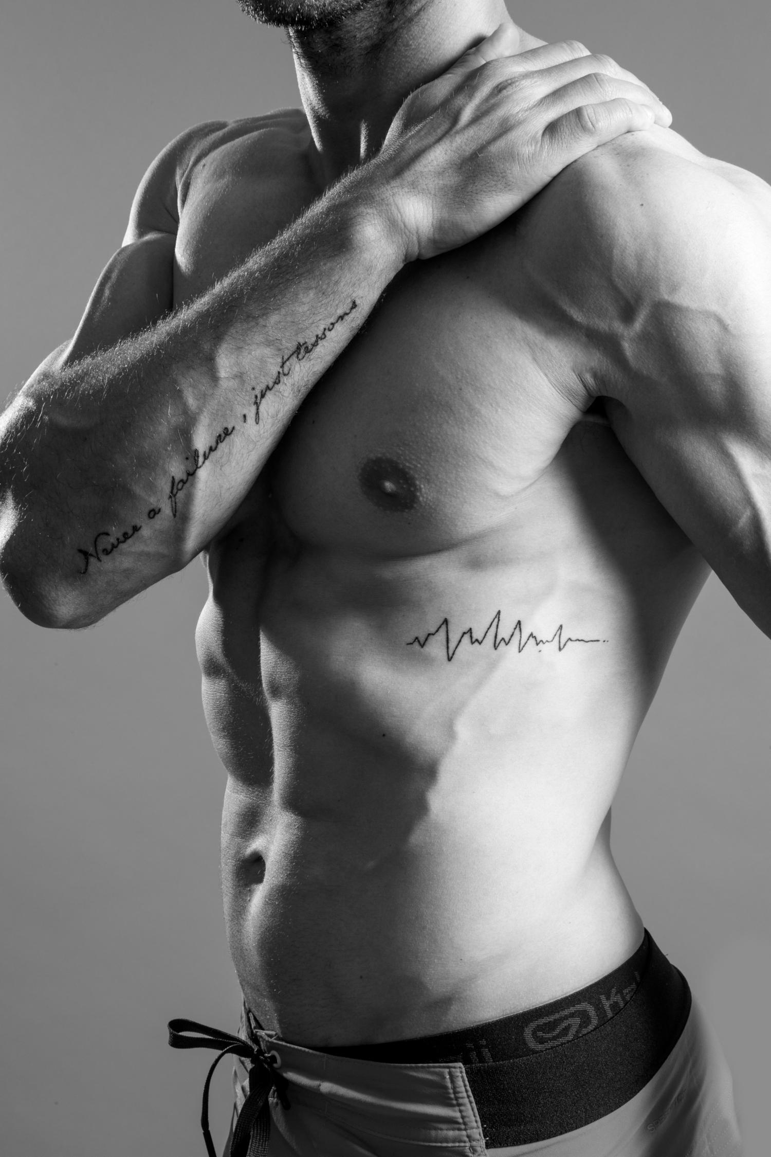 Jonathan Denis - Torse nu