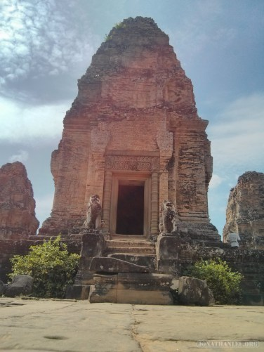 Angkor Archaeological Park - East Mebon 4