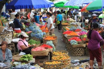 Bali travel - Gianyar market 1