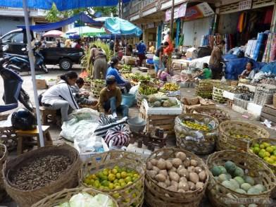 Bali travel - Gianyar market 3