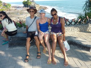 Bali travel - Tannah Lot group photo