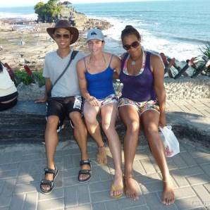 Bali travel - Tannah Lot group photo