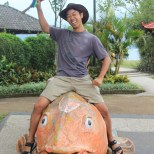 Bali travel - lake temple fish 1