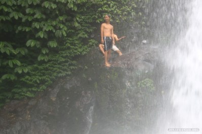 Bali travel - waterfall jumping 4