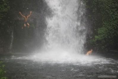 Bali travel - waterfall jumping 6