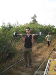 Battambang - bamboo railway lifting axle