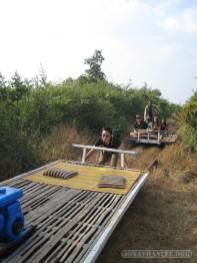 Battambang - bamboo railway lifting train 1