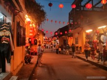 Hoi An - streets at night 2