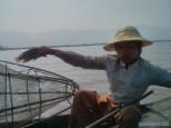 Inle Lake - boat tour fisherman 3