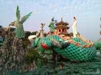 Kaohsiung - lotus pond riding on dragon spring autumn podoga