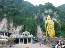 Kuala Lumpur - Batu Cave statue 2