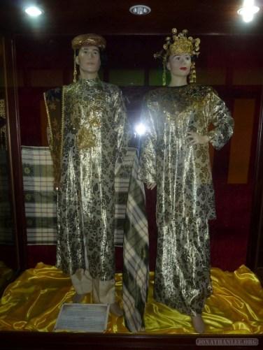 Malacca - Sultanate Museum nyonya dress