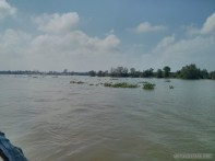 Mekong boat tour - clear day view 2