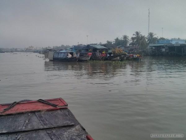 Mekong boat tour - floating market 1
