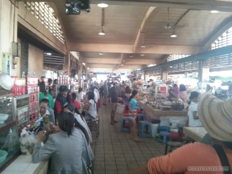 Phnom Penh - central market lunch vendors