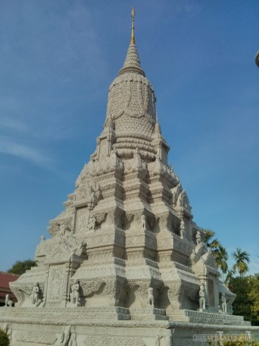 Phnom Penh - royal palace spire 1