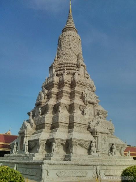 Phnom Penh - royal palace spire 2