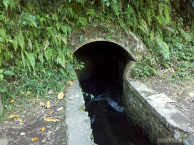 Senaru - canal tunnel