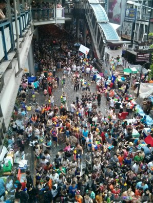 Songkran in Bangkok - Silom from above 18