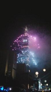 Taipei 101 New Years fireworks - fireworks 9