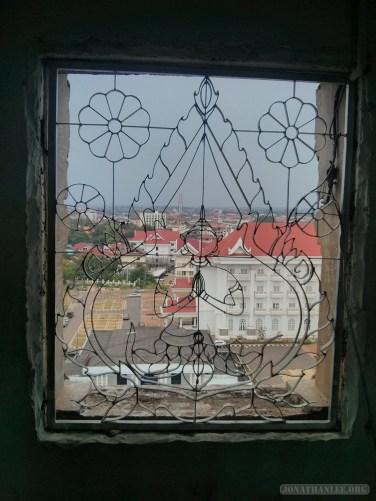 Vientiane - Patuxai view west