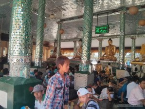Yangon - Shwedagon pagoda 22